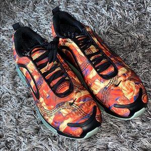 Nike Air Max 720 Mens Black Orange size 12 NEW.